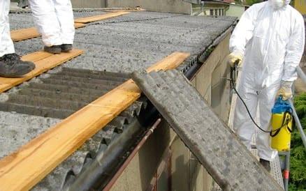 Saneren van asbest mag pas NADAT er een asbestinventarisatie rapport is opgesteld. Houd daar rekening mee!