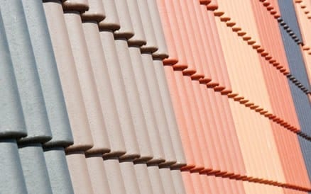 Kunststof dakbedekking: in vele kleuren, vormen en afmetingen. Dakdekker kunststof dak