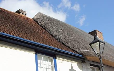Rieten dakbedekking heeft een gemiddelde levensduur van zo'n 40 jaar.